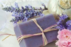 lavender soap-2726387_1920